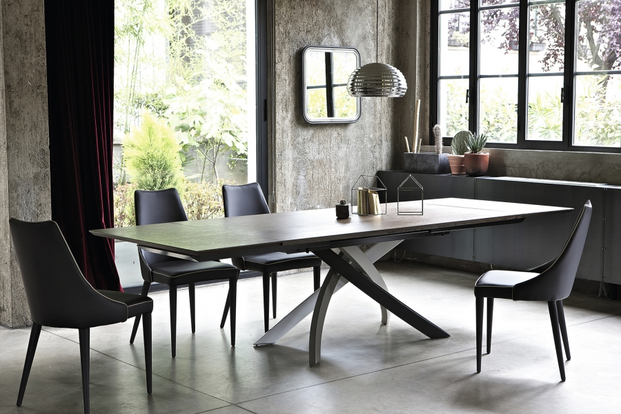 Tavolo Allungabile Moderno Cristallo.Tavolo Allungabile Moderno La Praticita Si Veste Di Design