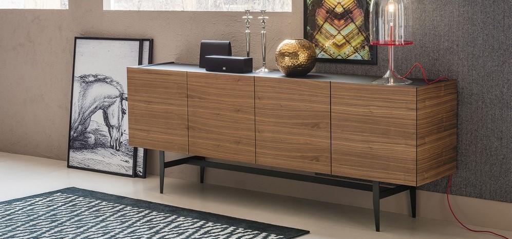 Lo stile e l'utilità della madia moderna in soggiorno