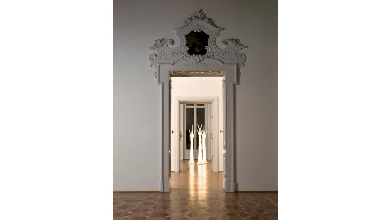 kleiderst nder bonaldo muster tree beleuchtet arredare. Black Bedroom Furniture Sets. Home Design Ideas