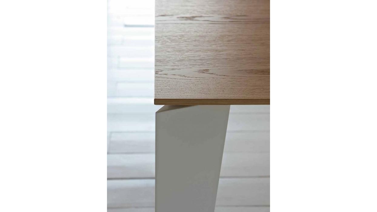 Cruz Bontempi Tisch mit lackiertem Stahlgestell