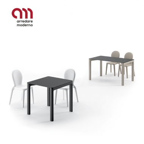 Chloé Plust Tisch