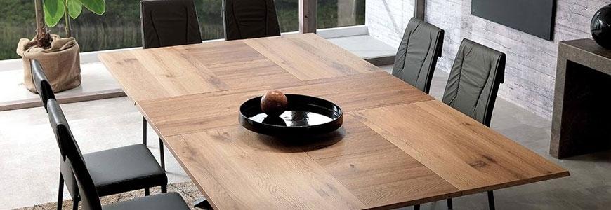 Ausziehbare Tische aus Holz
