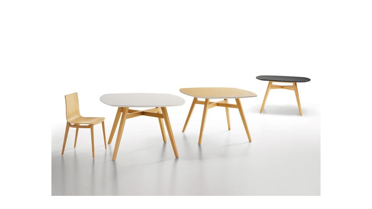 Table infiniti design model emma table 140 x 140 for Table 140 x 80 design