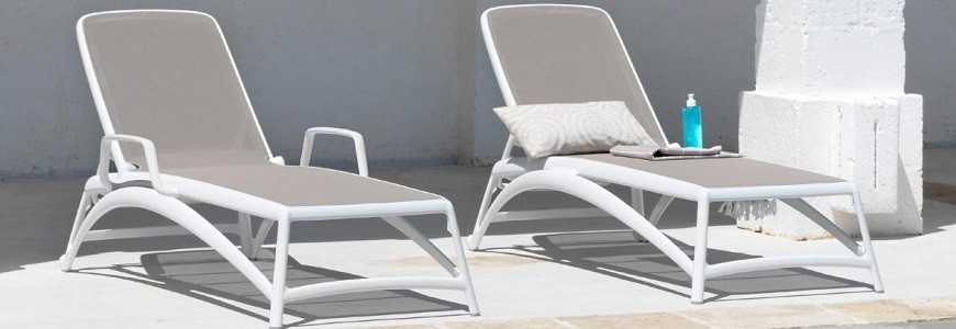 Sun Or Pool Loungers Characteristics And Materials